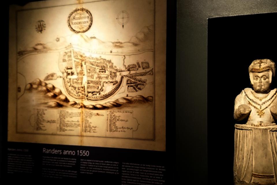 Карта города Рандерс, окруженного земляным валом, в середине 1500 годов, Дания