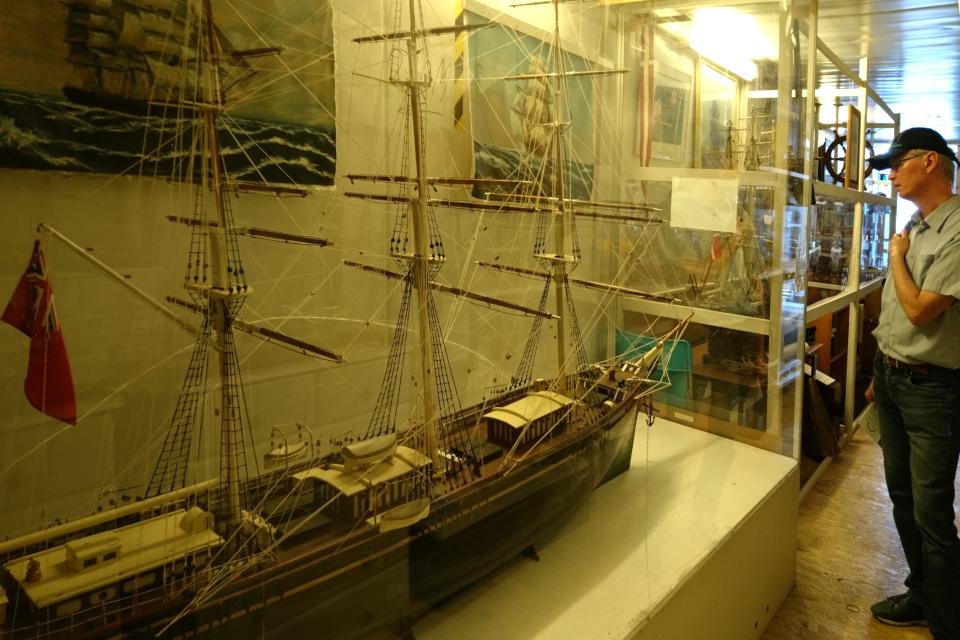 Контейнер с моделями кораблей, Морской музей, г. Орхус, Дания