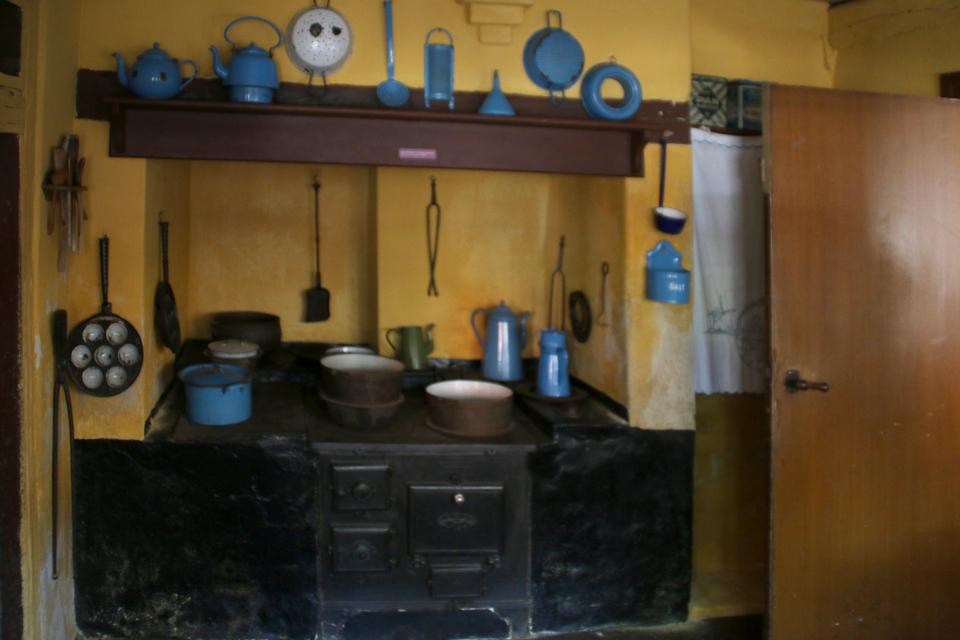 Старая плита на кухне. Фото 27 июн. 2019, Эбельтофт / Ebeltoft, Дания