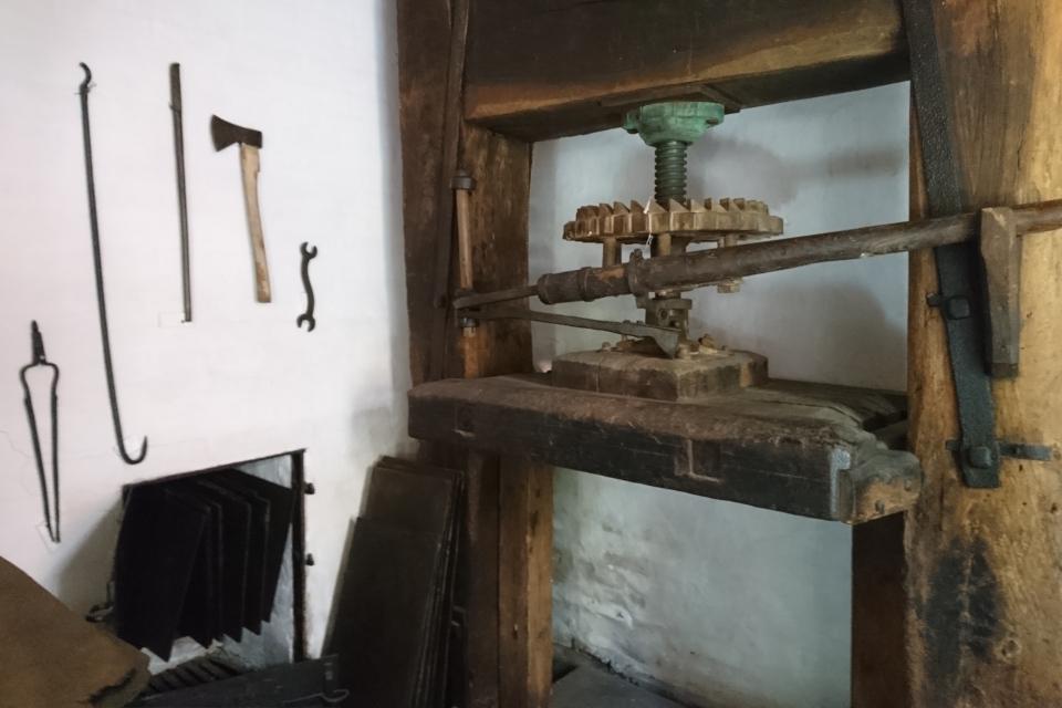 Прессовая машина. Фото 27 июн. 2019, музей в г. Эбельтофт / Ebeltoft, Дания.