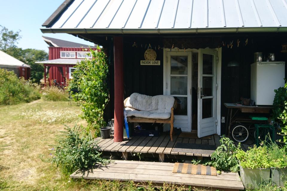 Частные дома в экопоселении Фриланд / Friland, Дания