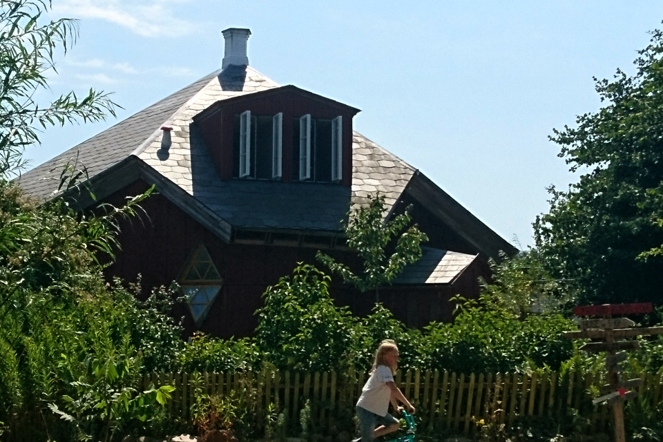 Дом, построенный деятелем искусства, Фриланд / Friland, Дания