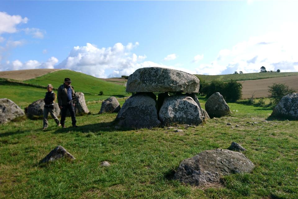 Мегалит из огромных камней, Poskær stenhus, недалеко от г. Кнебель / Knebel, Дания