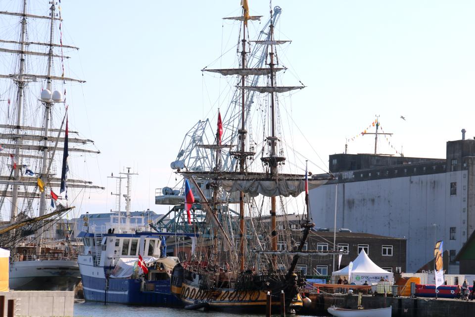 Копия корабля, построенного Петром Великим в 1703 году
