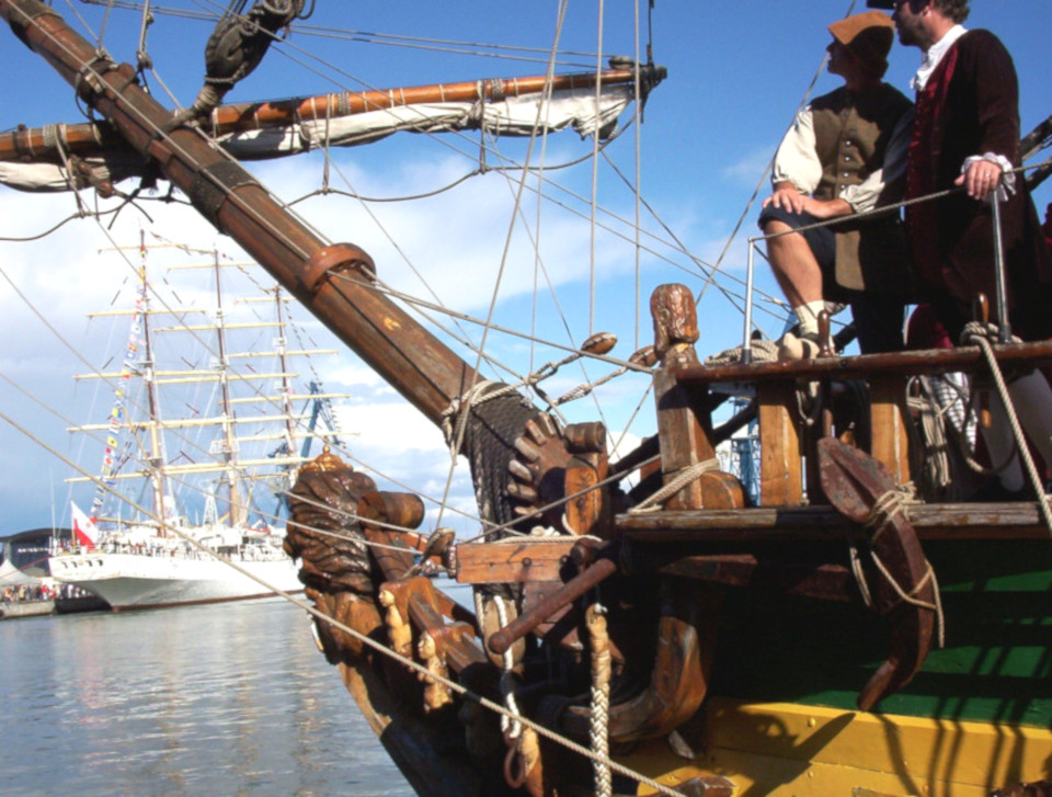 Фрегат Штандарт в порту г. Орхус во время фестиваля Ship Ahoy Århus 2003