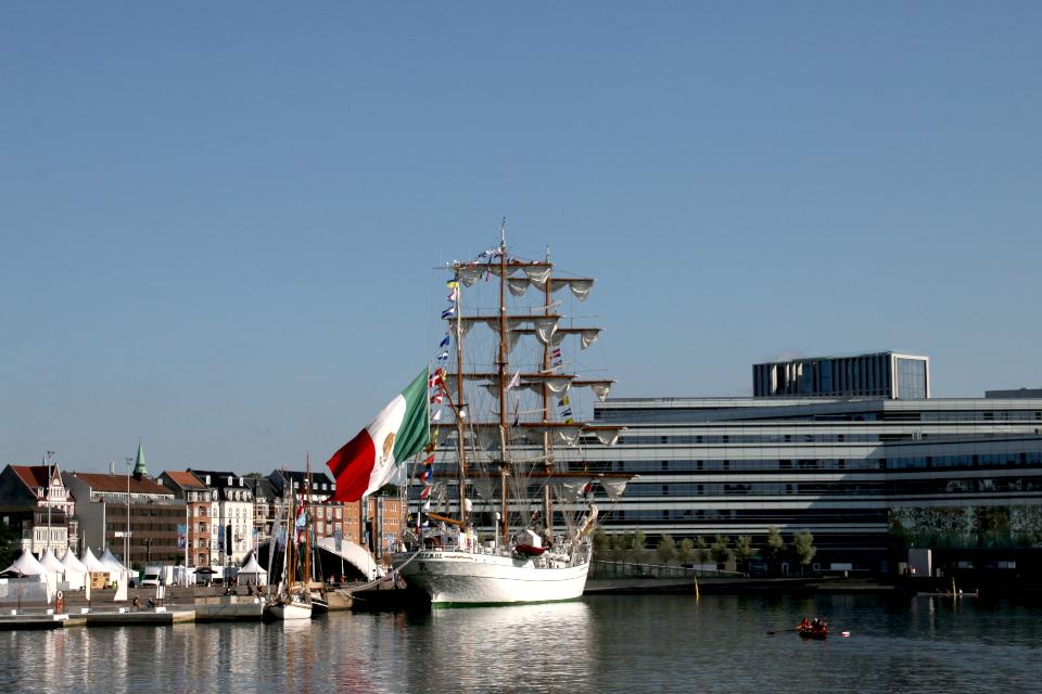 Мексиканский учебный парусный корабль Cuauhtemoc