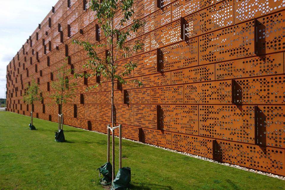 Фасад здания радиоонкологии университетской больницы г. Орхус, Дания