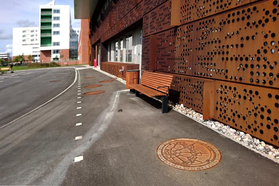 Фасад здания радиоонкологии университетской больницы г. Орхус / Aarhus N, Дания
