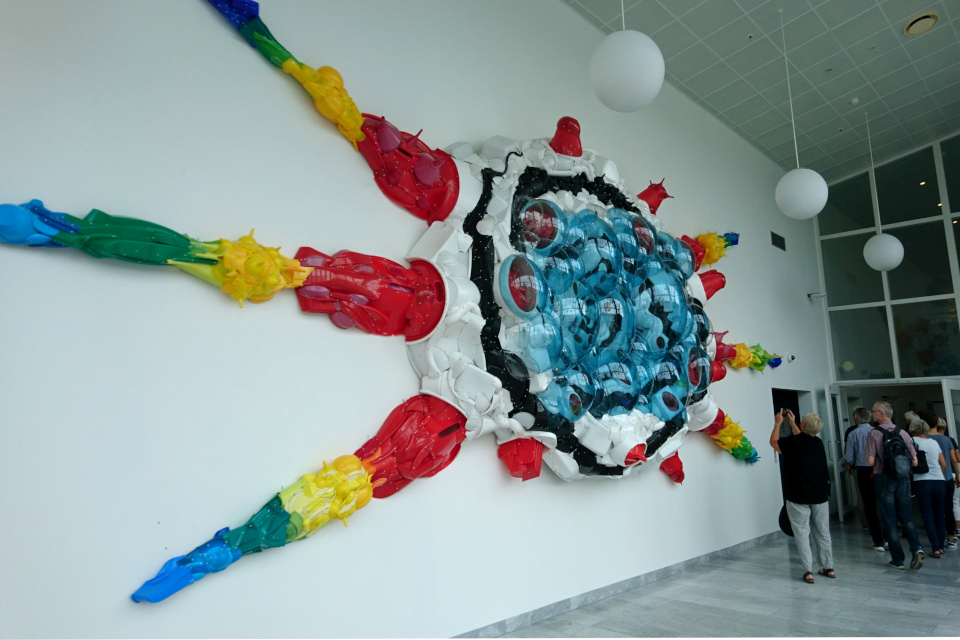 """Инсталляция художника Бьёрн Поульсен (Bjørn Poulsen)-""""Вселенная"""" (англ. """"Universe"""")"""