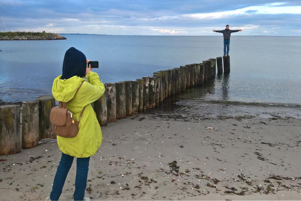 """Берег моря возле """"крючка с водорослями"""" - Тангкроэн"""