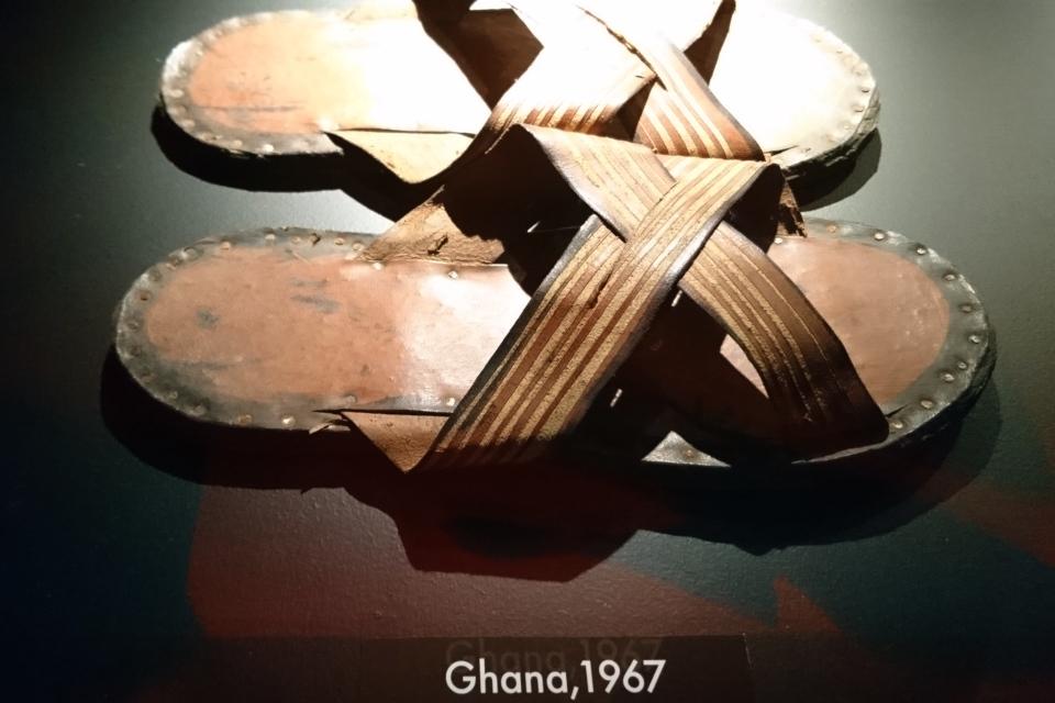 Сандали из Гана, 1967 г. Фото из музея Мосгорд, г. Хойбьяу / Højbjerg, Дания, 2 окт. 2019