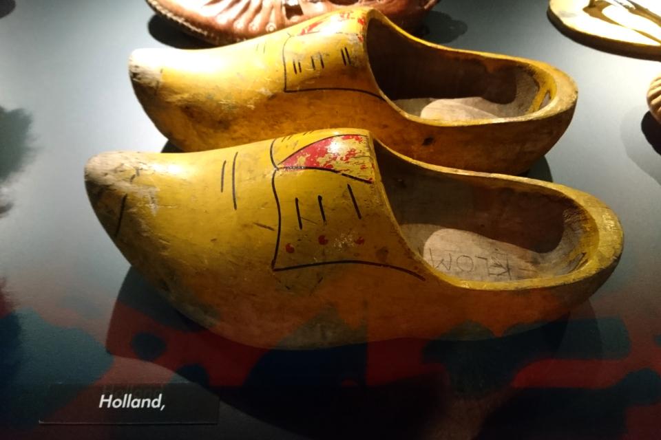 Кломпы - традиционные голландские деревянные башмаки