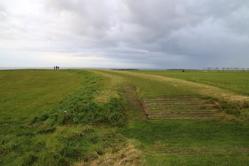 Место в земляном вале Аггерсборг, где раньше располагались ворота.