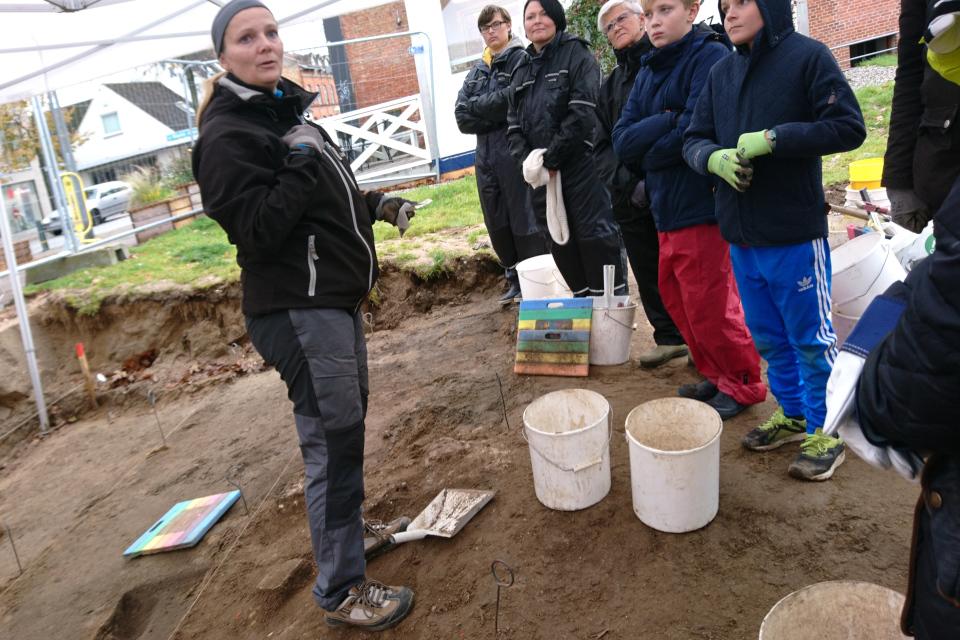 Открытая археология в Скандерборге, добровольцы. Фото 17 окт. 2019