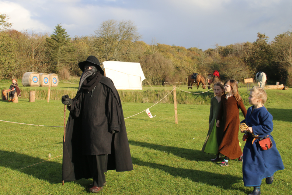 Чумной доктор. Средневековый фестиваль в монастыре Витскол 13ок. 2019, Дания