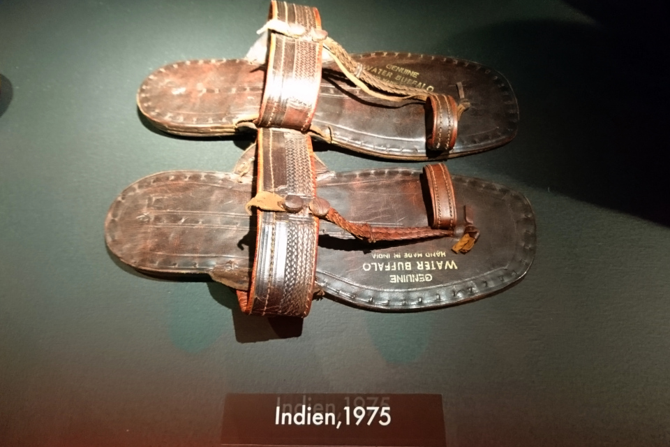 Сандали, купленные Сёреном Туксен в Индии в 1975 г.