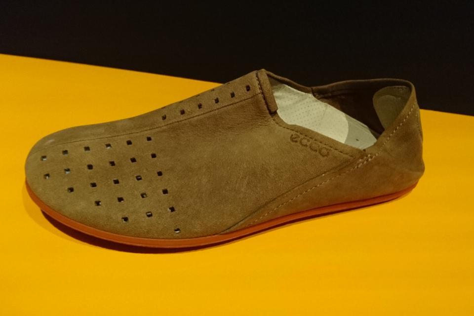 Туфли в виде марокканских тапочек компании ECCO