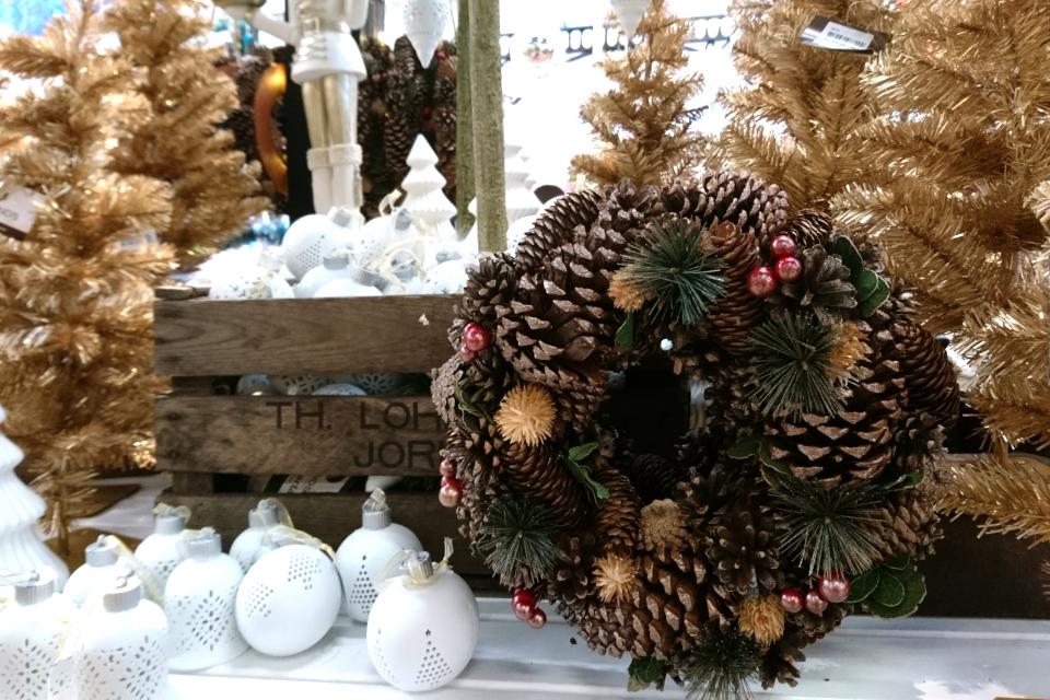 Рождественский базар в Plantorama, рождественский венок. 22 окт. 2019, Дания