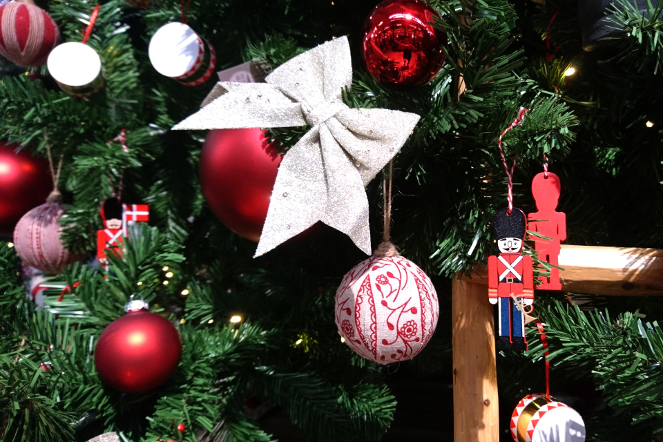 Рождественский базар в Plantorama, шарики. 22 окт. 2019, Дания