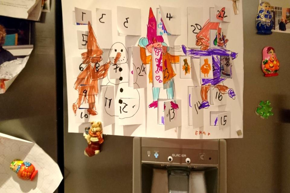 Самодельный рождественский календарь, сделанный в детском саду, Дания