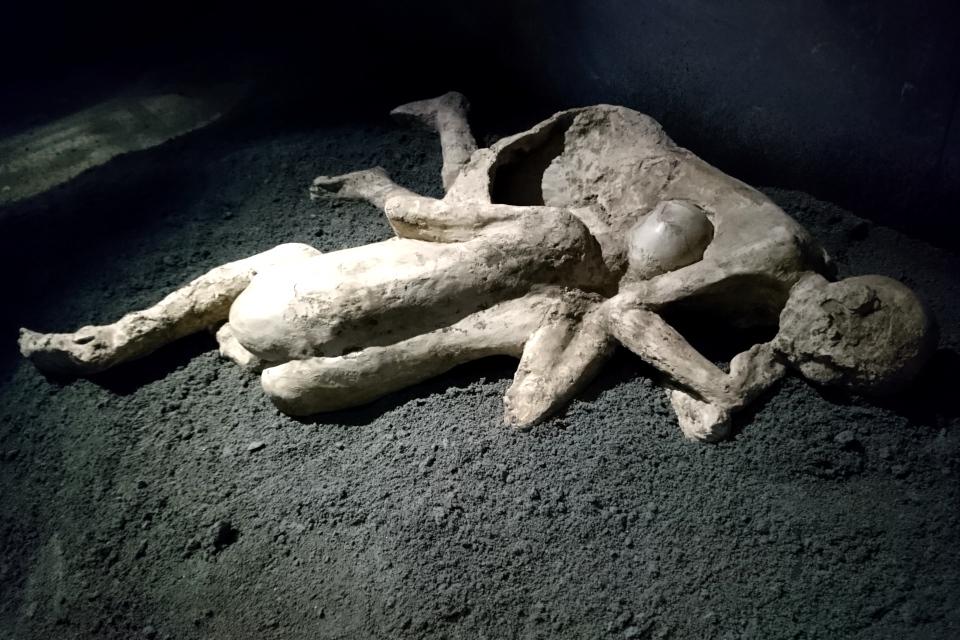 Жертвы Помпеи - гипсовые отливки в воздушных карманах
