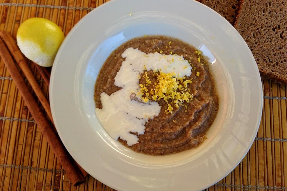 Каша оллеброд / елеброд (øllebrød) с цедрой лайма и сливками, Дания