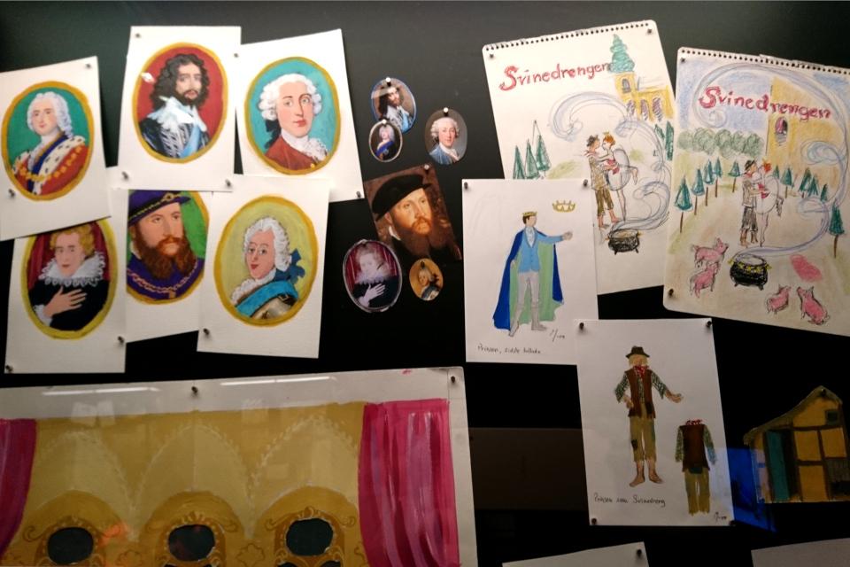 Рисунки и портреты, сделанные королевой Маргрете II