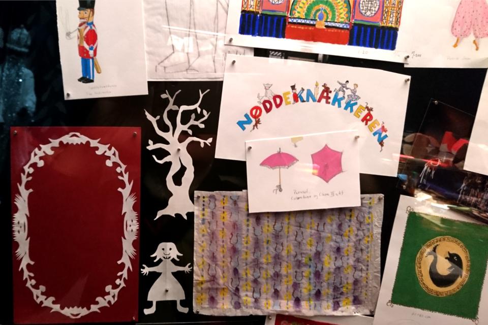 Рисунки и фигурки из бумаги, сделанные королевой Маргрете II