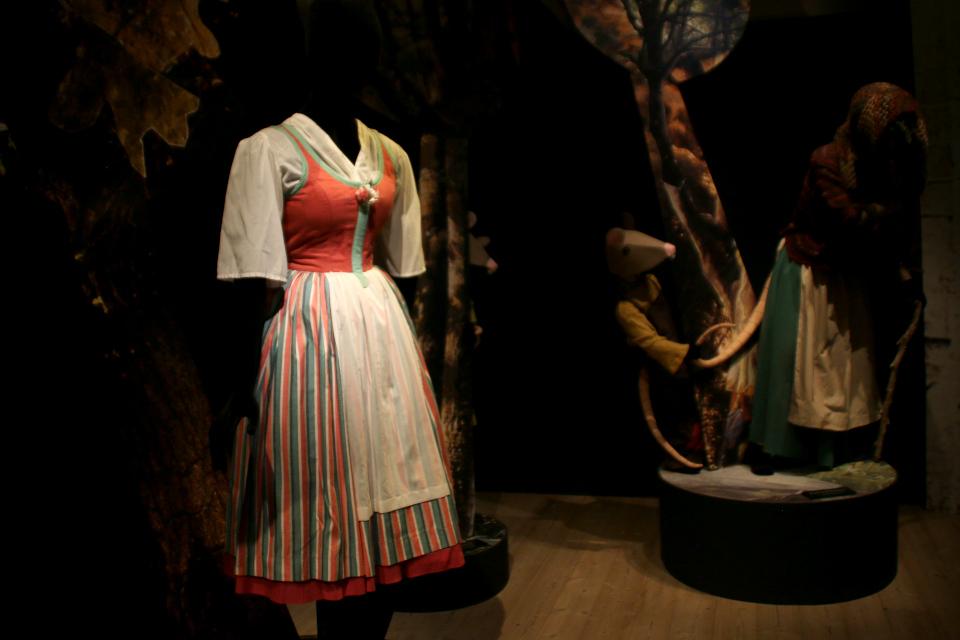 Сказочный лес со сценическими костюмами, созданными королевой Дании Маргрете