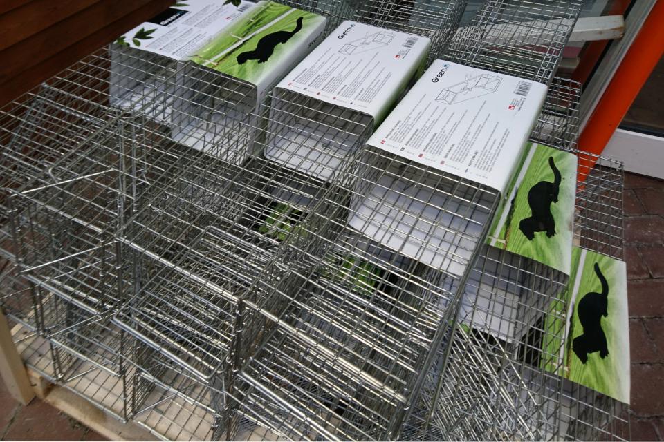 Клетки - ловушки для куницы. Фото 30 янв. 2020, супермаркет, г. Вибю / Viby, Дания