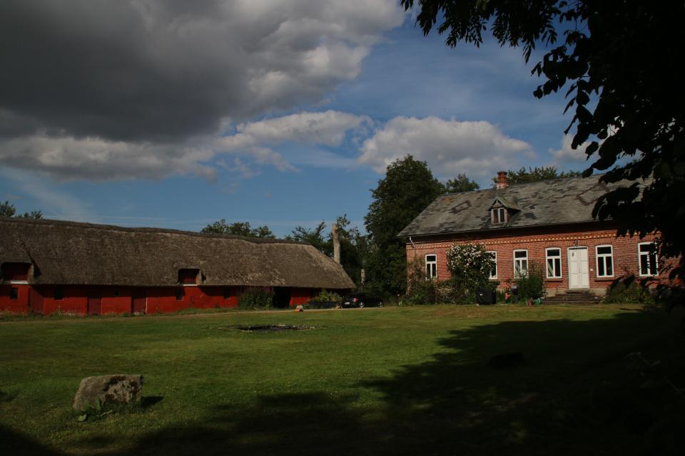Двор с постройками возле булэден, Кристиансфельд , Дания