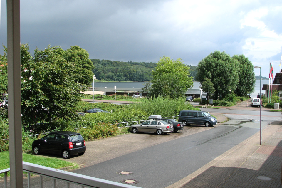 Вид на Данию из апартаментов в г. Вассерслебен (Wasserleben) / Сости (Sosti)