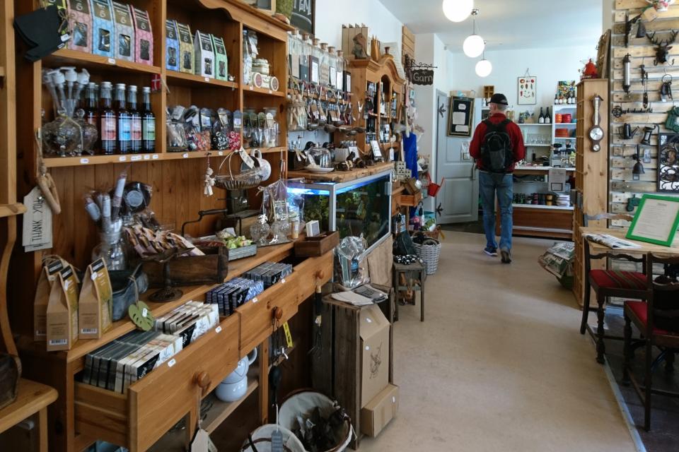 Магазин хюгге в Кристиансфельд , Det Gamle Apothek. Фото 17 июл. 2019, Дания
