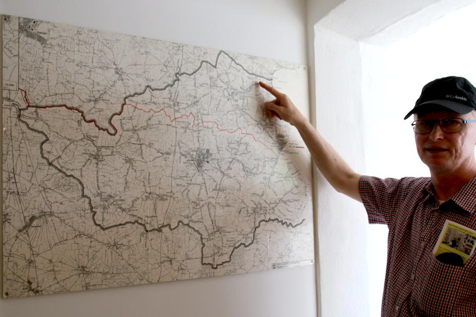 Карта, на которой красной линией обозначена бывшая граница Дании с Германией.