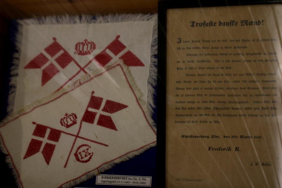 Вышитые салфетки с времен правления датского короля Кристина IX (1863-1906)