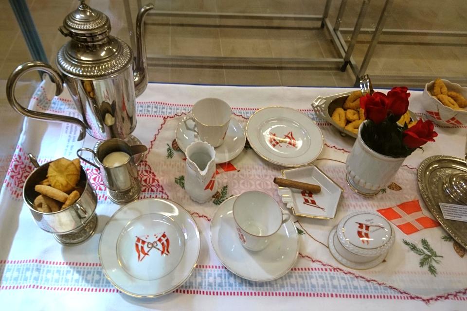 Кофейный сервиз с печеньями (Sønderjysk kaffebord), Кристиансфельд