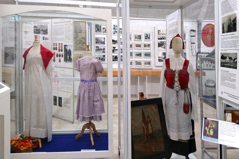 Платья девушек, участвовавших в праздничных мероприятиях