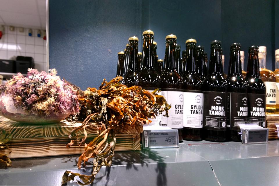 Пиво с водорослями (tangøl) на прилавке супермаркета, Дания