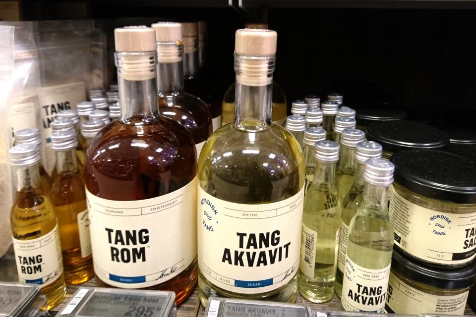Спиртные напитки с водорослями в супермаркете, Дания