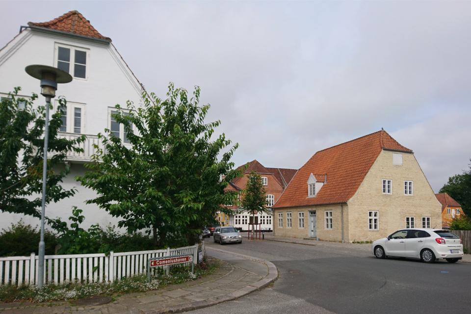 Дорожный указатель в городе Кристиансфельд, Дания