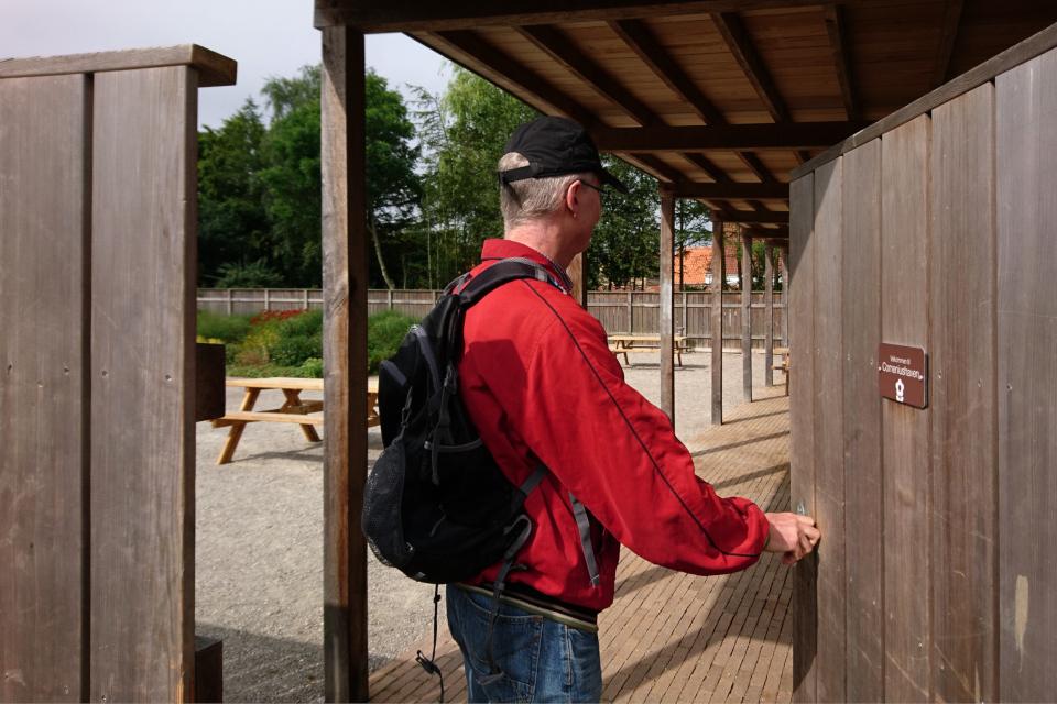 Вход в городской сад Коменского в Кристиансфельд. Фото 17 июл. 2019, Дания