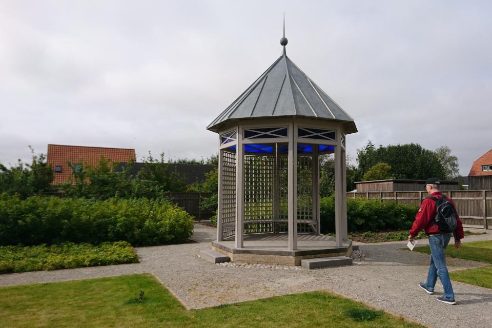Беседка в саду Коменского. Фото 17 июл. 2019, Кристиансфельд, Дания