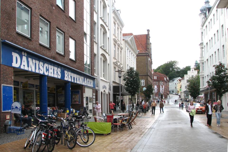 Магазин Юск (нем. Dänisches Bettenlager) в г. Фленсбург / Flensburg, Германия