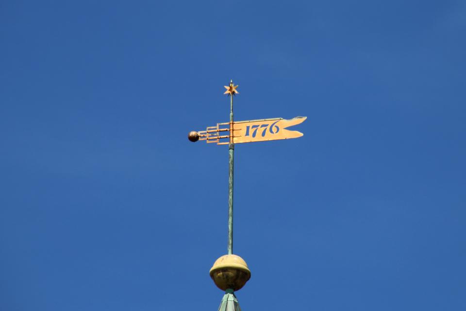 Флюгер на башне моравской церкви, г. Кристиансфельд / Christiansfeld, Дания
