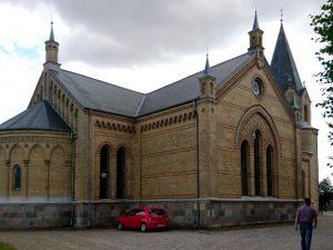 Тюструп церковь