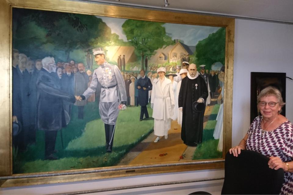Картина с фотографии, на которой король Кристиан Х приветствует ветеранов