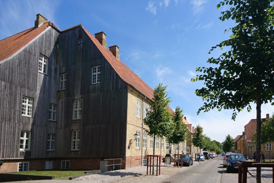 Две стены дома с деревянным покрытием, Кристиансфельд / Christiansfeld, Дания