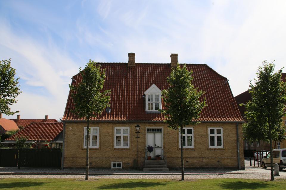 Первый дом в городе. Фото 17 июл. 2017, г. Кристиансфельд / Christiansfeld, Дания