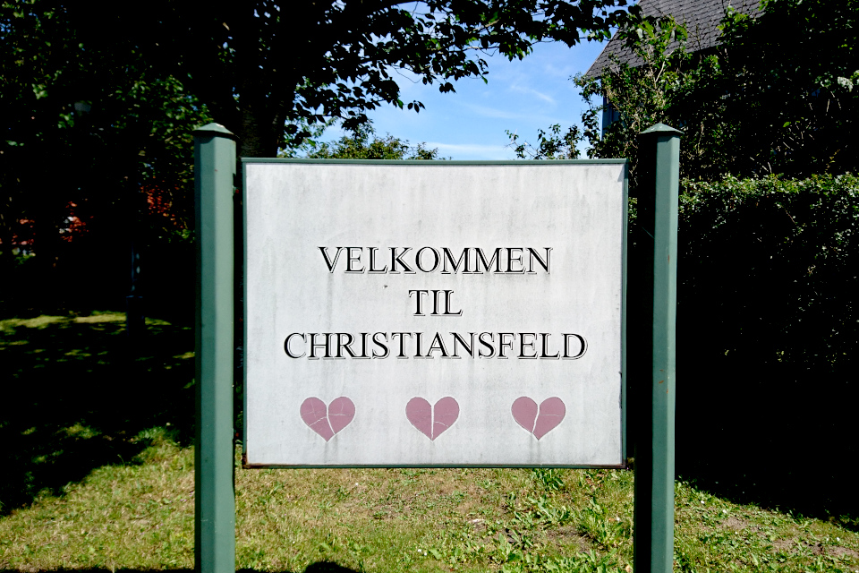 """Добро пожаловать в Кристансфельф"""" (дат. Velkommen til Christiansfeld)"""