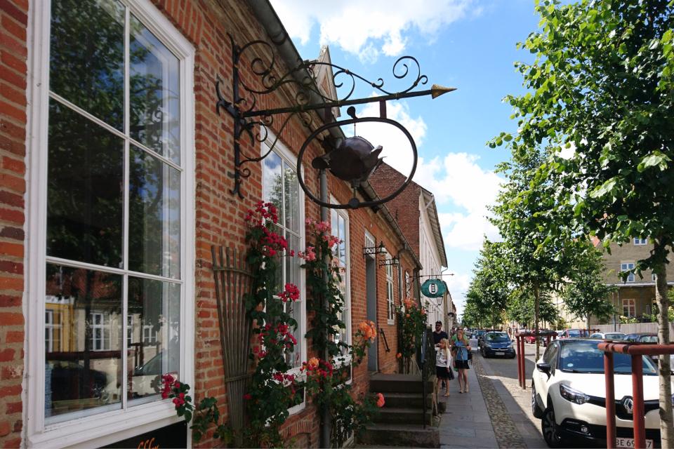 Уютные улочки со старыми домами, г. Кристиансфельд / Christiansfeld, Дания